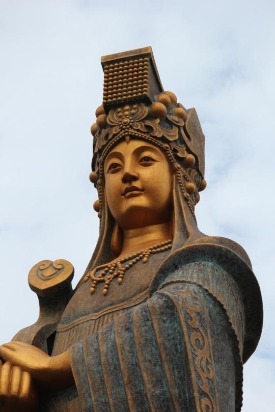 Mazu_statue